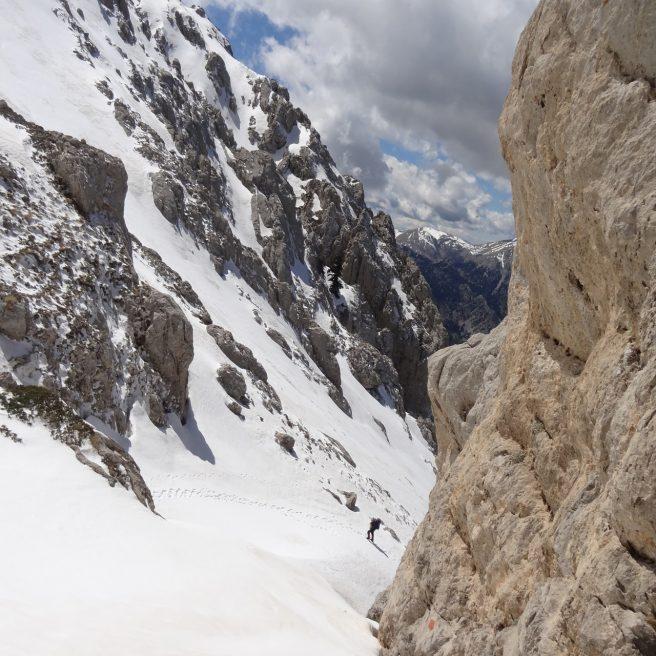 Giona – Karagianni's path